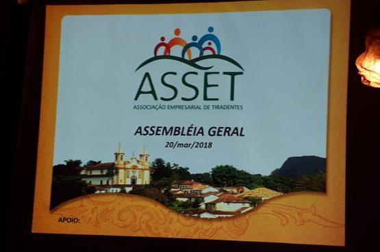 Assembleia geral da Associação Empresarial de Tiradentes.